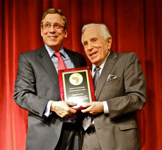 Seymour Topping receiving Lifetime Achievement Award (photo Mort Sheinman)